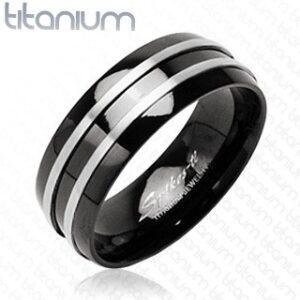 Čierny prsteň z titánu - dva tenké pásy striebornej farby J1.9 - Veľkosť: 49 mm