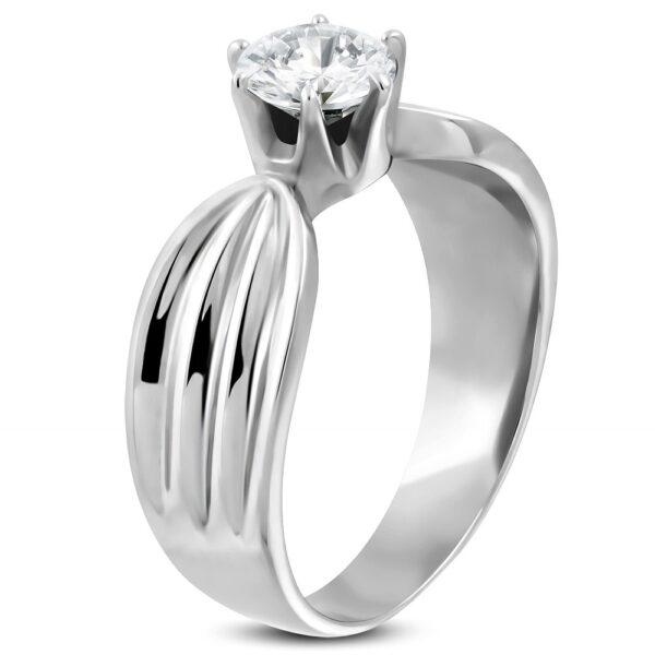 Dámsky prsteň z ocele 316L s čírym zirkónom a zárezmi po stranách D15.19 - Veľkosť: 60 mm