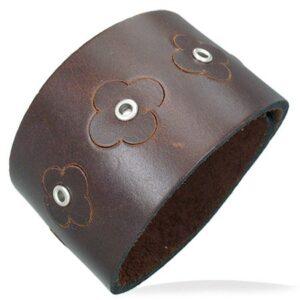 Hnedý náramok z umelej kože - kvietky T15.8