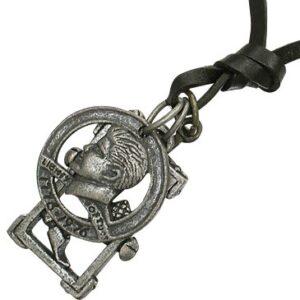 Náhrdelník na šnúrke - minca, kríž, kladivo, klince A24.1